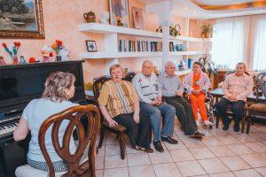 Вакансии в домах для престарелых в подмосковья йога дома для начинающих пожилых