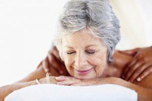 массаж для пожилых людей