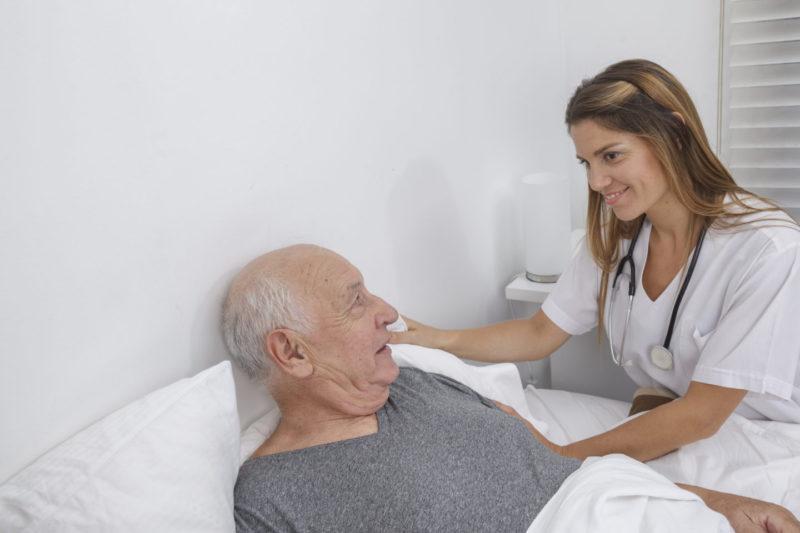 уход за лежачими стариками