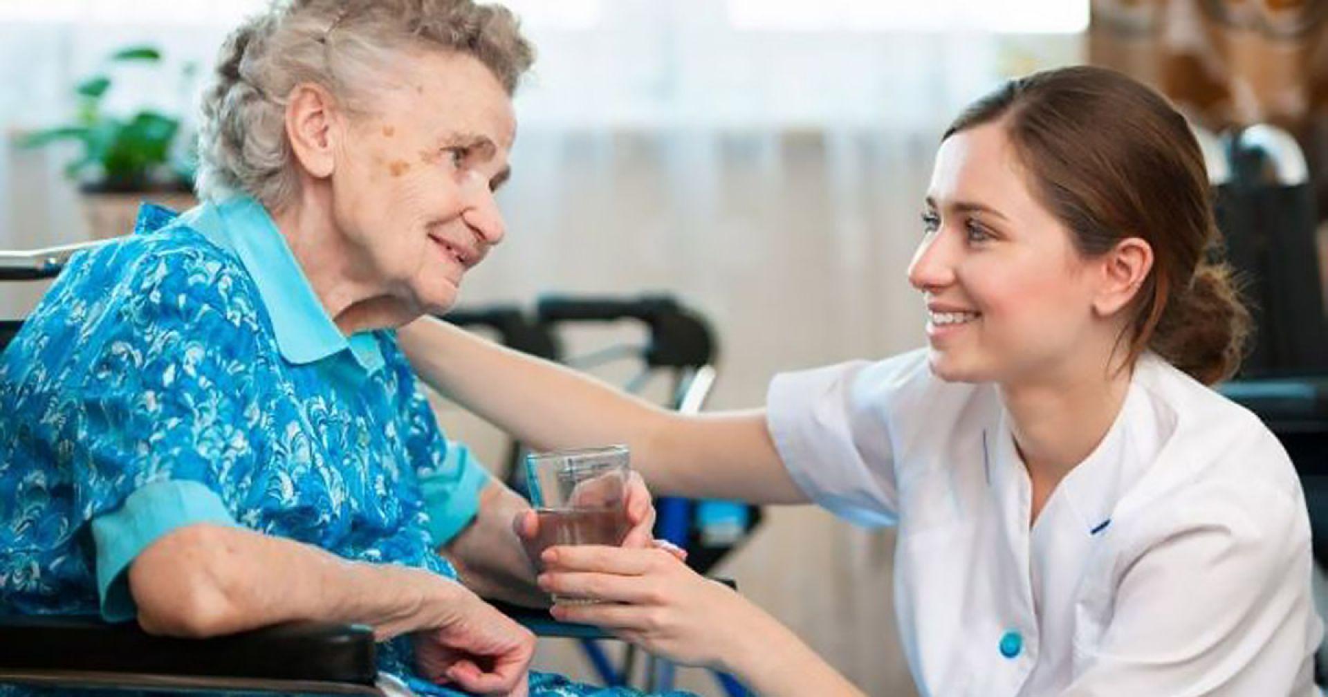 Как получить пособие по уходу за пожилым человеком и лежачим больным