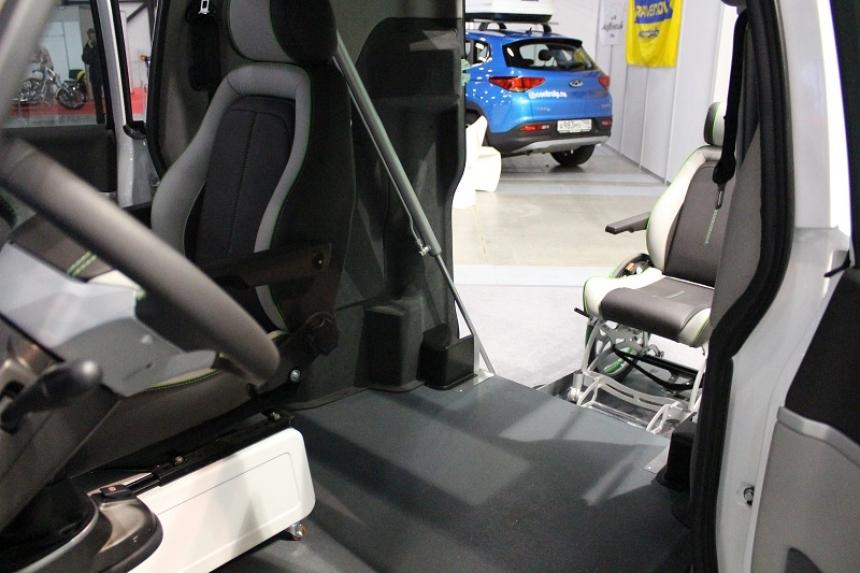 выбор машины пожилому инвалиду