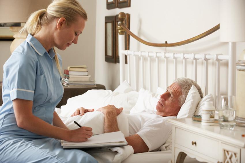 осмотр лежачего пациента