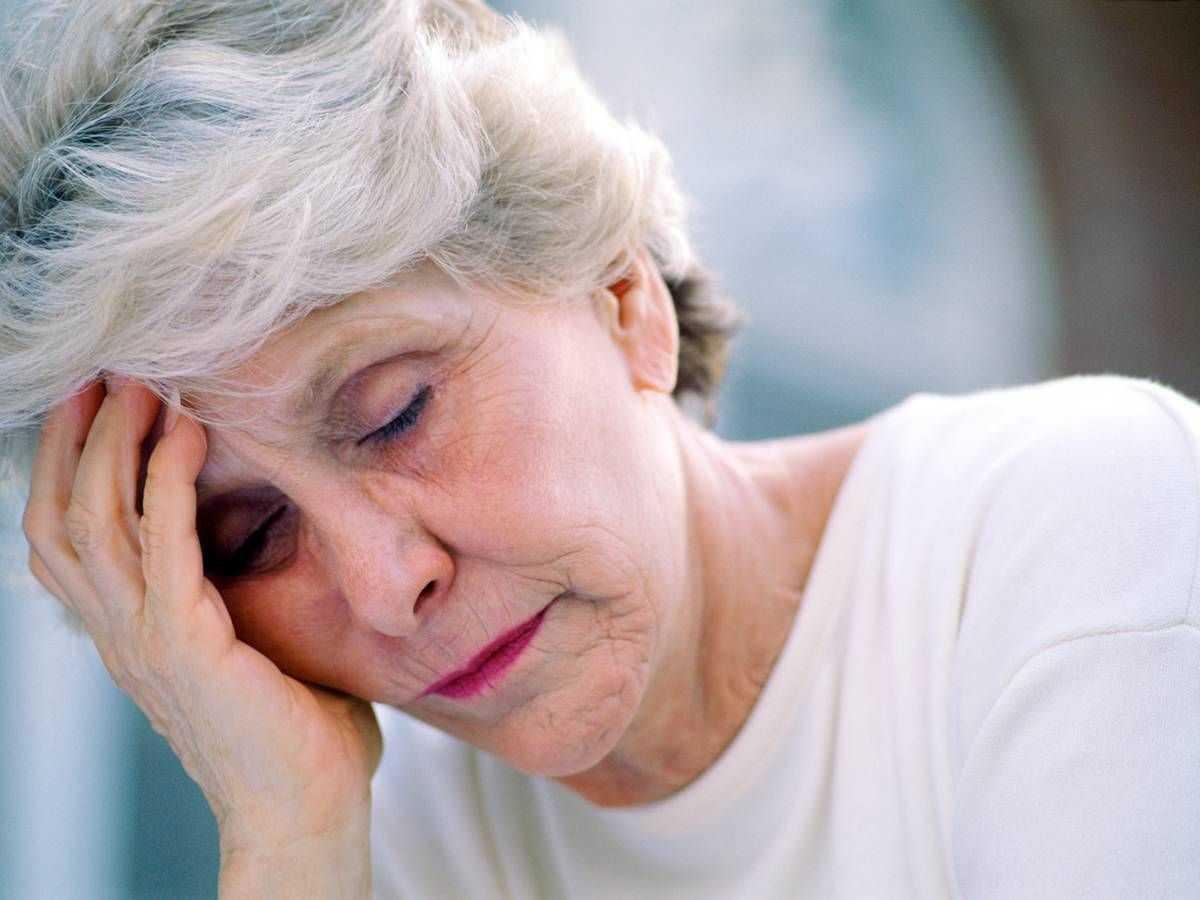 слабость у пожилых