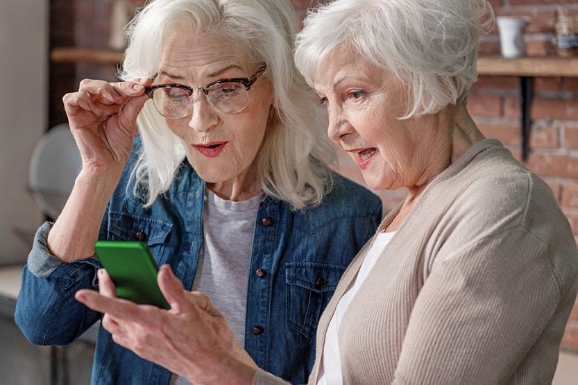 телефон для пожилой женщины